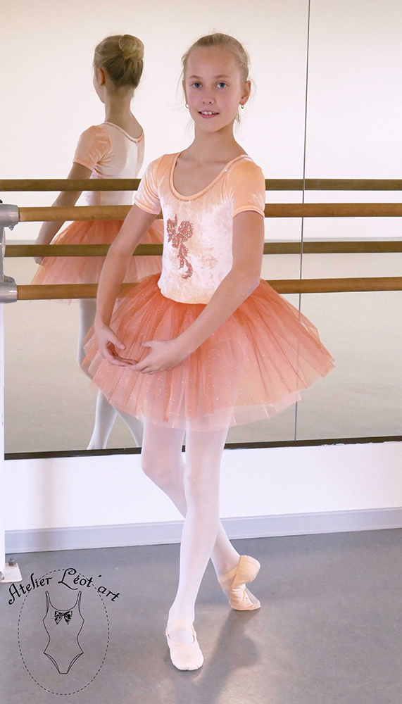 tutu-location-costume-danse-enfant-paillettes-orange-capucine-justaucorps-1